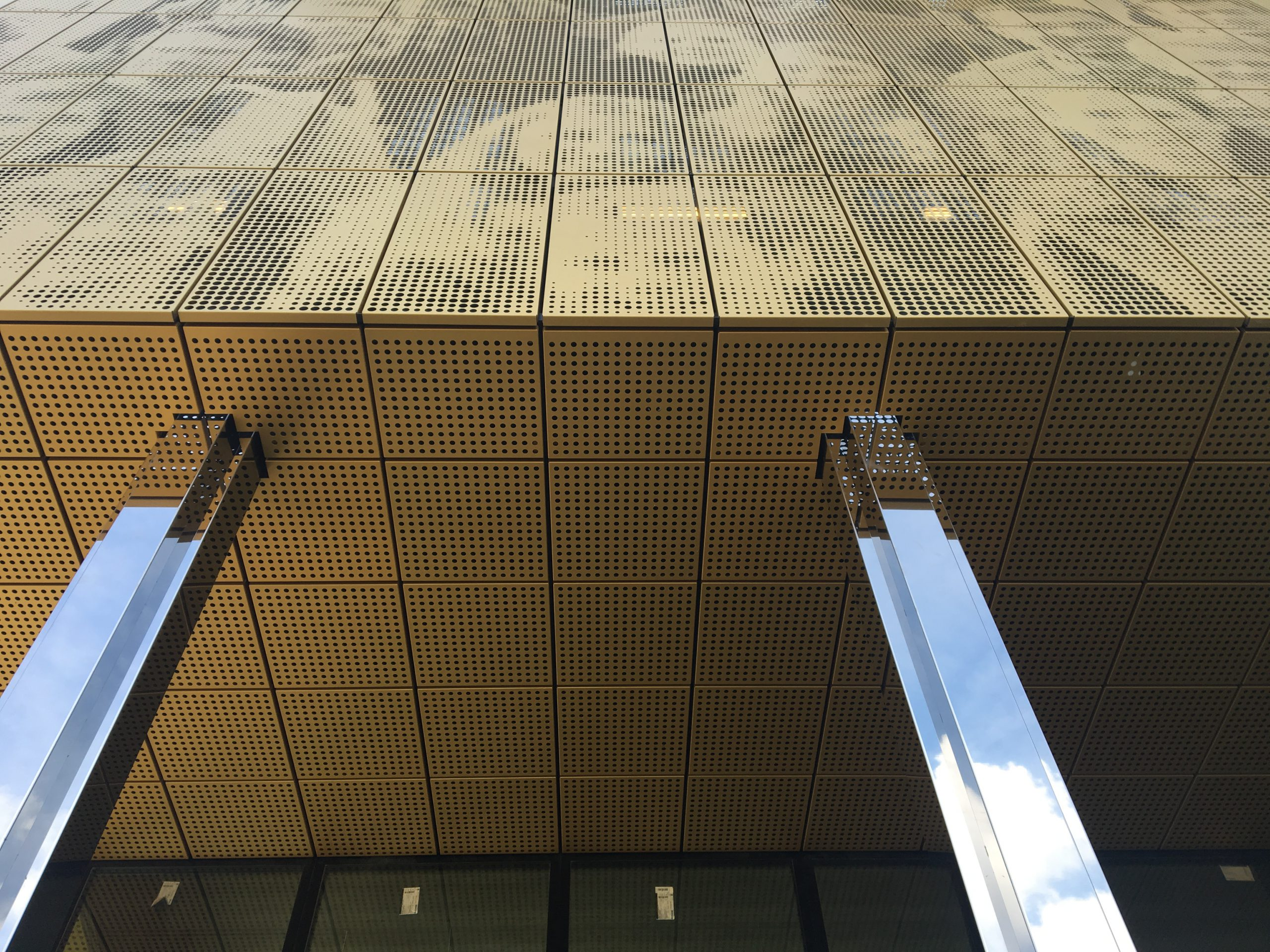 Stainless steel sheet mirror polished facade cladding