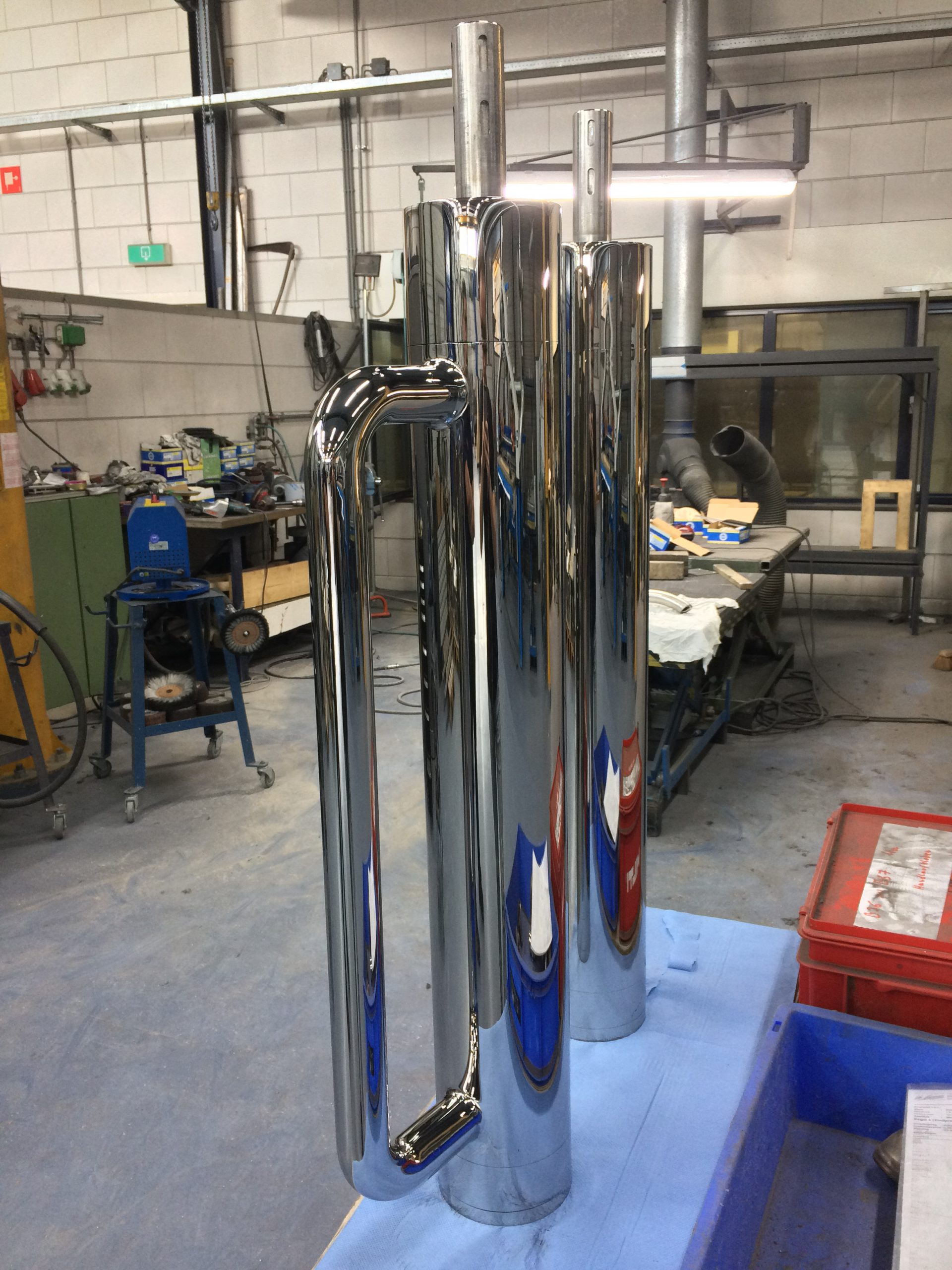 Supermirror 8 mirrorpolished polished stainless steel yachtindustry