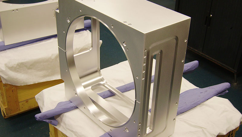 Aluminium kamer O-ringen. A process chamber for the semiconductor industry, which was milled from a solid block by our customer.